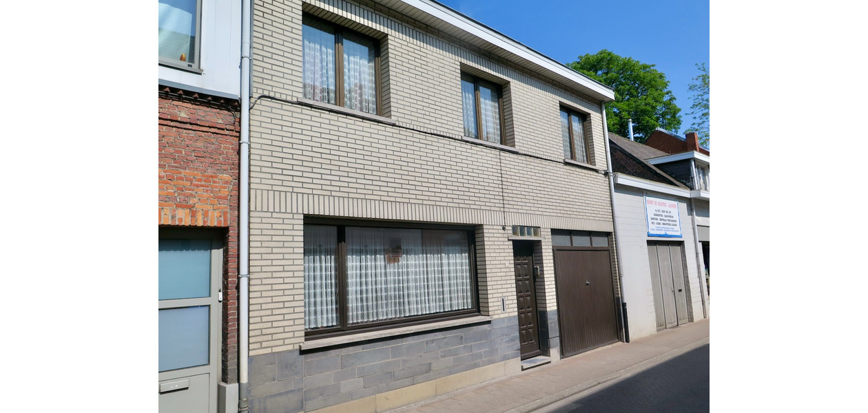 RUIME RW EN/OF KANGOEROEWONING IN VOLLE CENTRUM, TUIN + GARAGE